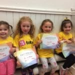 Tots getting drama class certificates